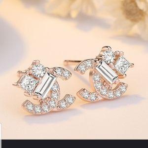 Very Pretty Double C Dainty earrings